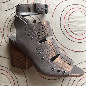 🌺🌺🌺 Gorgeous Woven Leather Sandal 🌺🌺🌺